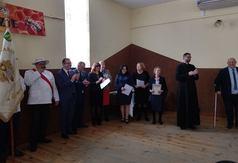 Na zdjęciu Zarząd Koła Pszczelarzy z Wilkołaza oraz uczestnicy uroczystości jubileuszu 40 lecia Koł