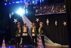 Na zdjęciu męski zespół śpiewaczy Majdaniacy.