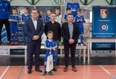 Na zdjęciu Wicestarosta Kraśnicki Karol Rychlewski, Menadżer Football Academy Rafał Warchoł, Wicedyr
