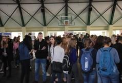 Na zdjęciu młodzież podczas Targów edukacyjnych w Zespole Szkół nr 3 w Kraśniku.