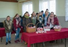 Na zdjęciu młodzież prezentująca swoje stoisko podczas Dni Kultury Rolnej w Urzędowie.