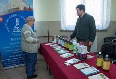 Na zdjęciu pan prezentujący swoje stoisko podczas Dni Kultury Rolnej w Urzędowie.