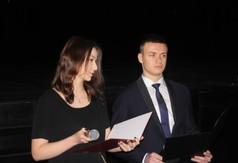 Na zdjęciu uczniowie z ZS nr 2 w Kraśniku prowadzący uroczystość Dzień Patrona.