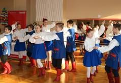Występ zespołu tańca ludowego z Centrum Kultury i Promocji w Kraśniku.
