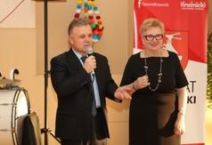 Na zdjęciu Prezes Rady Kobiet Teresa Kamela oraz Starosta Kraśnicki Krzysztof Staruch przemawiający po