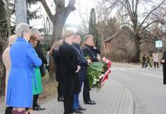 Na zdjęciu uczestnicy uroczystości związanych z 74. rocznicą śmierci ks. Stanisława Zielińskiego.