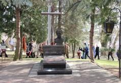 Na zdjęciu pomnik Śp ks. Stanisława Zielińskiego obok Kościoła Sw. Ducha w Kraśniku.