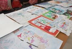 Na zdjęciu prace plastyczne dzieci biorące udział w konkursie Bezpieczna zima 2019.