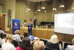 Na zdjęciu Wicestarosta Kraśnicki Karol Rychlewski przemawiający podczas Powiatowego Konkursu Krajozna