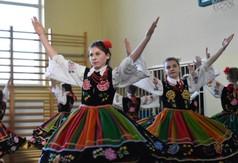 Na zdjęciu zespół tańca ludowego Sanowiślaczki.