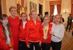 Na zdjęciu Pani Prezydentowa Agata Kornhauser -Duda i reprezentacja Polski Olimpiad Specjalnych uczestni