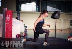 Natalia Gacka poprowadziła bardzo intensywny trening. Na zdjęciu wykonująca ćwiczenia