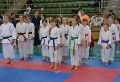 Na zdjęciu zawodnicy drugiej edycji Wojewódzkiej Ligii Karate Tradycyjnego.