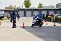 Na zdjęciu uczestnik Powiatowego etapu Ogólnopolskiego Młodzieżowego Turnieju Motoryzacyjnego kieruj�