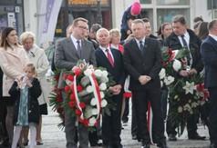 Na zdjęciu Wicestarosta Kraśnicki Karol Rychlewski, Starosta Kraśnicki Andrzej Rolla, członek Zarząd