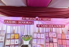 Na zdjęciu dyplomy, które zdobył Klub Seniora z Gościeradowa.