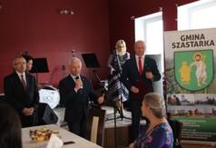 Na zdjęciu Starosta Kraśnicki Andrzej Rolla przemawiający podczas Powiatowego Dnia Bibliotekarza.