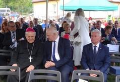Na zdjęciu Ksiądz Biskup Edward Frankowski, Starosta Kraśnicki Andrzej Rolla oraz uczestnicy uroczysto