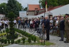 Na zdjęciu Marszałek Województwa Lubelskiego Jarosław Stawiarski przemawiający podczas Święta 24 P