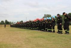 Na zdjęciu drużyny OSP biorące udział w Powiatowych Zawodach Sportowo – Pożarniczych.