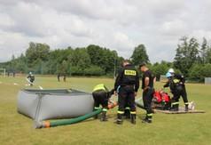 Na zdjęciu strażacy z OSP biorący udział w Powiatowych Zawodach Sportowo – Pożarniczych.