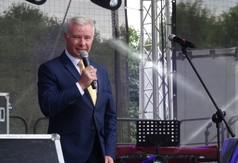 Na zdjęciu Starosta Kraśnicki Andrzej przemawiający podczas Dni Annopola.