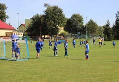 Na zdjęciu młodzi zawodnicy Football Academy.