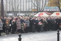 Uroczyste obchody Narodowego Święta Niepodległości na Rynku Starego Miasta w Kraśniku.