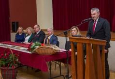 Na zdjęciu przemawiający Przewodniczący Rady Miejskiej w Urzędowie Kazimierz Jagiełło.