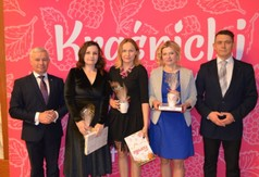 Na zdjęciu Starosta Kraśnicki Andrzej Rolla,Dyrektor GOK w Wilkołazie Bożena Nagajek wraz z pracownik
