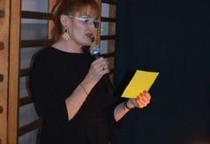 Na zdjęciu nauczycielka z Zespołu Szkół Specjalnych .