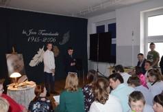 Na zdjęciu uczniowie z Zespołu Szkół Specjalnych podczas przedstawienia.