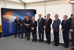 Na zdjęciu gospodarze oraz zaproszeni goście na otwarcie stacji GPZ Budzyń.