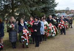 Uczestnicy obchodów Pacyfikacji wsi Szczecyn i Borów.