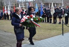 Uczestnicy obchodów pacyfikacji wsi Szczecyn i Borów .