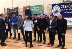 Na zdjęciu drużyna z Powiatu Kraśnickiego biorąca udział w Halowym Turnieju Piłki Nożnej o Puchar