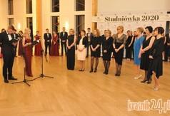 Na zdjęciu uczniowie oraz nauczyciele z ZS nr 3 w Kraśniku.