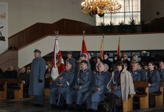Uczestnicy Mszy Św. w intencji żołnierzy Armii Krajowej w kościele pw. Św Józefa Robotnika w Kraśn
