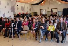 Uczestnicy uroczystości I rocznicy założenia Klubu Honorowych Dawców Krwi PCK im. Św. Walentego w Za
