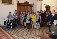 Na zdjęciu uczestnicy Mszy Świętej w intencji Młodzieżowej Orkiestry Dętej z Wilkołaza