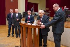 Na zdjęciu Przewodniczący Rady Miejskiej Kazimierz Jagiełło, prof. Marian Surdacki przewodniczący Sp