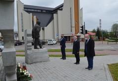 Delegacja Zarządu Powiatu w osobach Starosta Kraśnicki Andrzej Rolla, członkowie Zarządu Powiatu