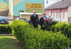 Starosta Powiatu Kraśnickiego Andrzej Rolla, członek Zarządu Powiatu w Kraśniku Roman Bijak składaj�