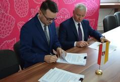 Dyrektor Powiatowego Urzędu Pracy w Kraśniku Krzysztof Grzegorczyk, Starosta Kraśnicki Andrzej Rolla