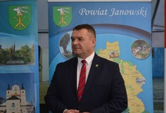 Starosta Powiatu Janowskiego Pan Artur Pizoń .