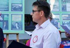 Przewodniczący Rady Powiatu w Kraśniku Jacek Dubiel czyta Balladynę Juliusza Słowackiego.