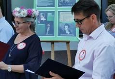 Przewodniczący Rady Powiatu w Kraśniku Jacek Dubiel oraz pozostali uczestnicy tegorocznej edycji N