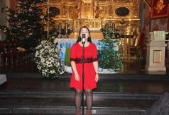 Na zdjęciu wokalistka z młodzieżowego Studia Wokalnego Vivo ze Stalowej Woli. (link otworzy duże zdjęcie)