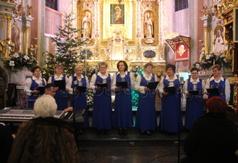 Na zdjęciu zespół Niezapominajki z Turowa. (link otworzy duże zdjęcie)