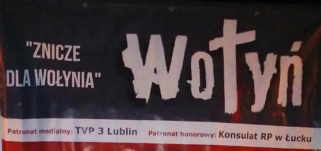 Banner Znicze dla Wołynia. (link otworzy duże zdjęcie)